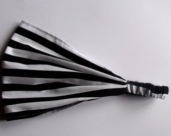 Cotton Yoga Headband Half Inch Stripe in Black Riley Blake fabric