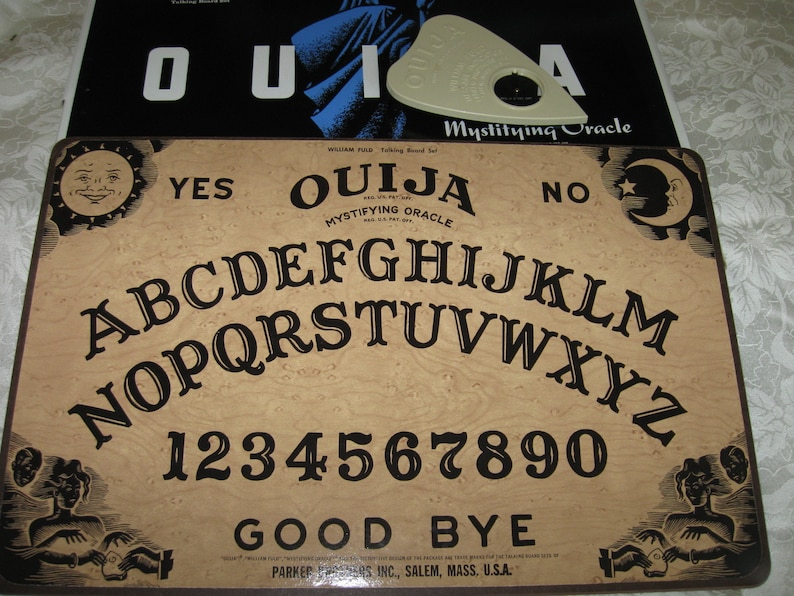 Vintage Ouija Board Fuld Parker Brothers With Planchette Board Game  Original Box Nice condition.