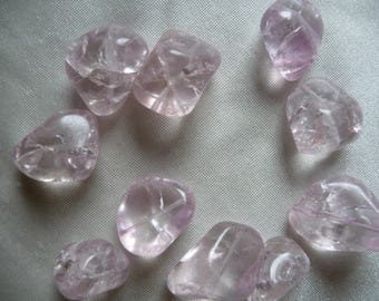Bead mix, ice flake quartz (dyed/heated), shades of light pink, medium-large nugget, Mohs hardness 7 . Pack of 10 beads.