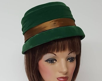 4166cc80fc9 SALE Vintage Hat Green Velvet Cloche Bonnet 1950 s