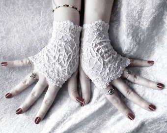 Elspeth Lace Fingerless Glove Mittens - Snow White Floral Fishnet - Gothic Vampire Victorian Wedding Fetish Belly Dance Goth Bohemian Bridal