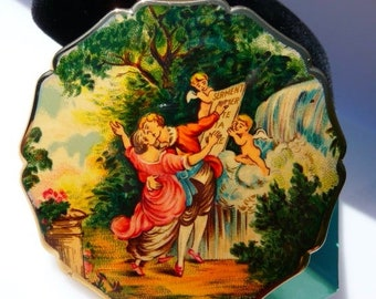 Stratton ladies compact, lovers in the garden, made in England, vintage purse accessory