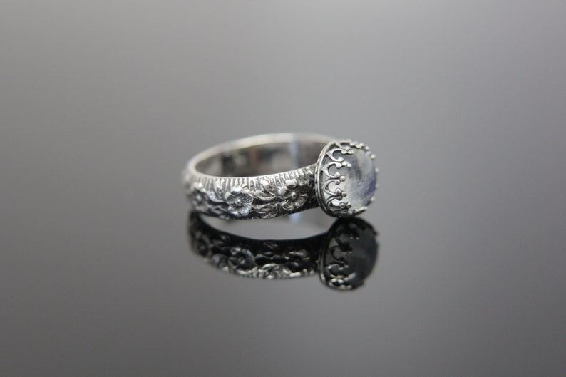 Daisy Chain Ring Sterling Silver. Feminine floral patterned image 0