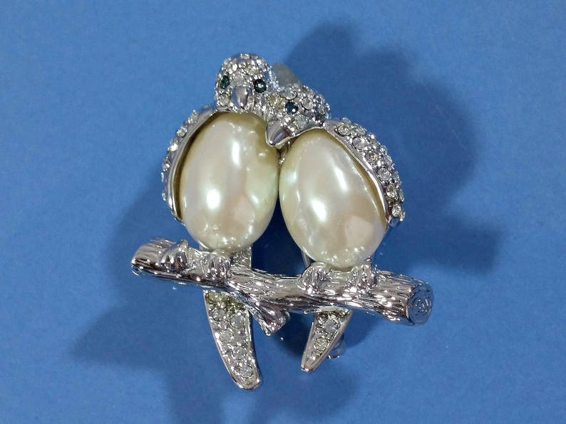 72ed043037862 Vintage Carolee Brooch Lovebirds Love Birds Silver with Clear Rhinestones  Blue Eyes White Pearl Bodies Well Made Classy Lovely Designer Pin
