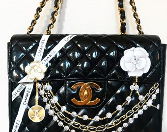 65e14624ef2b Custom painted chains and pears design on your Chanel