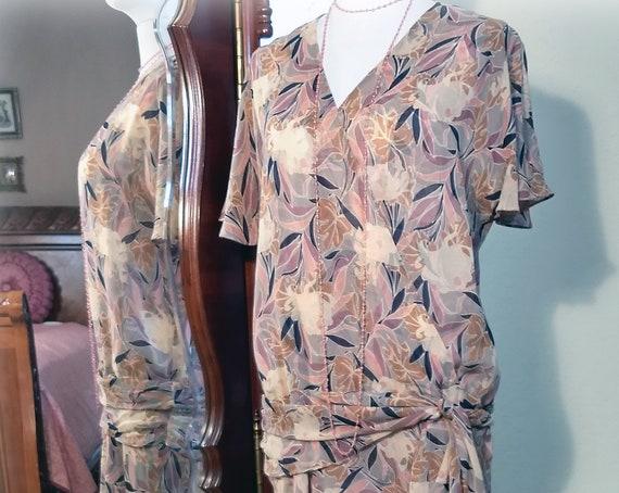 Exquisite Art Deco Vintage 1920s Inspired Silk Chiffon Designer Nancy Johnson Pinks Blues Grey Vintage Style Print Garden Party Dress