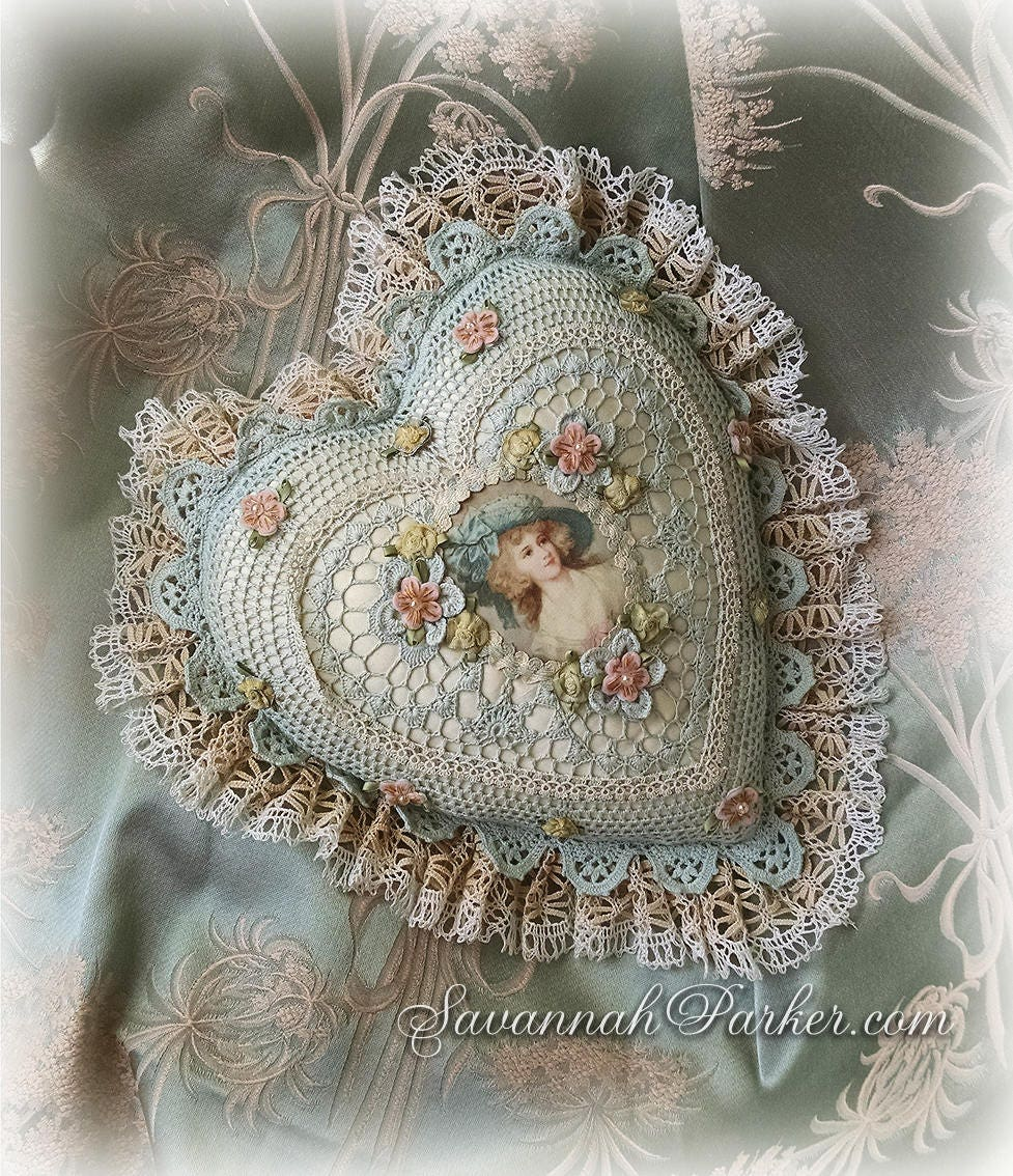 Amazing Antique Style Exquisite Romantic Cottage Shabby Chic Pillow Interior Design Ideas Clesiryabchikinfo