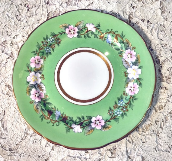 """Fabulous Very Rare Vintage Green Royal Stafford Garland 8"""" Plate, Exquisite Colors, Handpainted, Heavy Gold Applied Gilding"""
