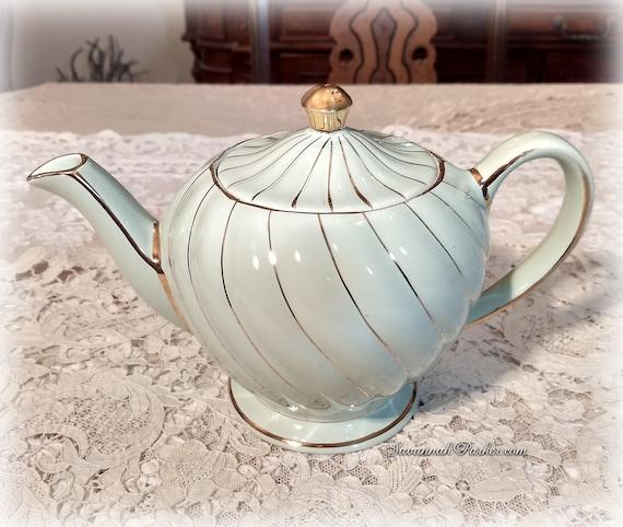 Gorgeous Mint Aqua Green Swirl Shimmering Gold Lustre Detail Vintage Sadler England Teapot, Handpainted, Mint Condition, Shabby Chic Decor