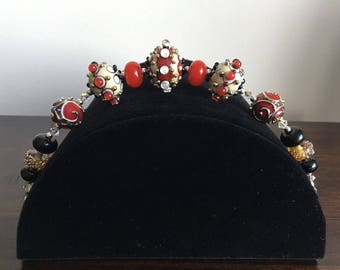 Bracelet: lampwork glass beads, red and gold