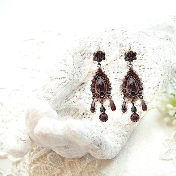Bodacious Vintage drop chandelier garnet earrings