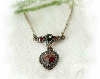 Neat Vintage garnet necklace in Victorian style