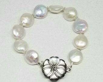 Black White Baroque Pearl Bracelet, Black Lip Shell Daisy Fancy Clasp Bracelet, Average Wrist Size, Wedding Jewelry, Pearl Bridal Bracelet