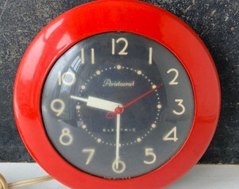 Red vintage clock | Etsy