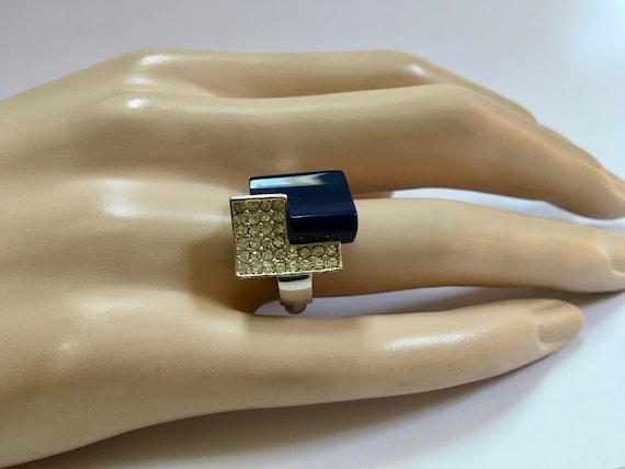 Trifari Art Deco Lucite Pave Rhinestone Ring – Dar
