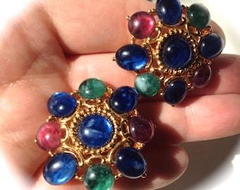 Juicy Opulent Trifari Gripoix Cabochon Clip Earrings – Jewels of India Moghul 1970s Jewelry