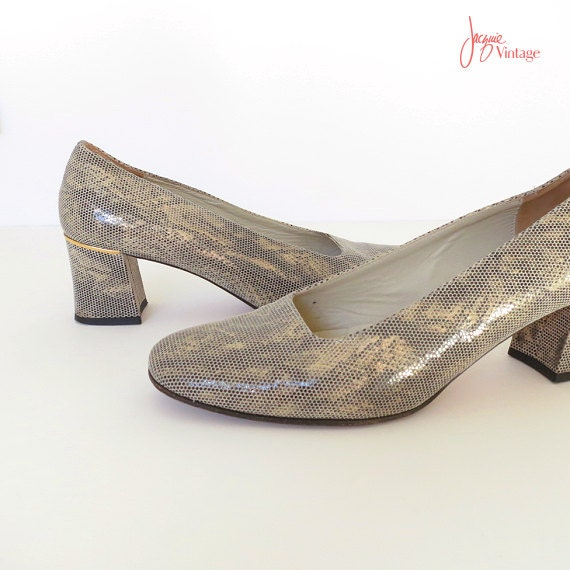80s pumps / 80s low chunky heel pumps / taupe gold