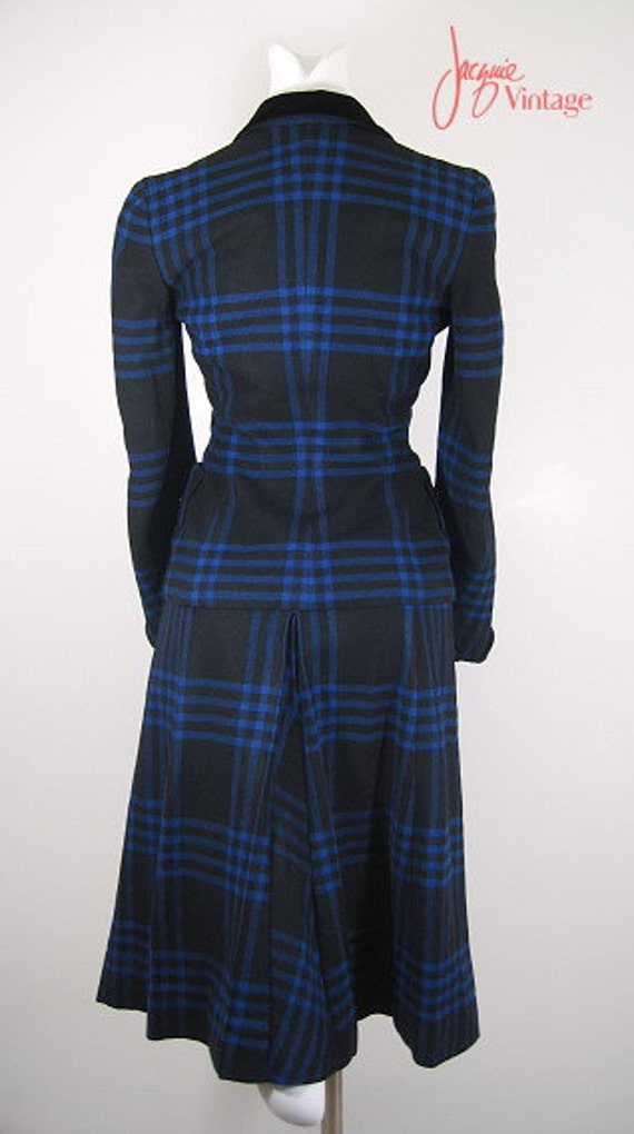 vintage 40s 50s ladies plaid suit / 50s black blu… - image 3