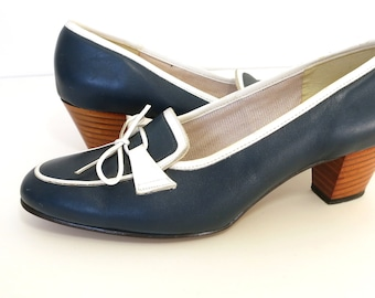 60s 70s navy blue leather pump white trim loafer vintage shoes chunky wood heel size 7 Naturalizer
