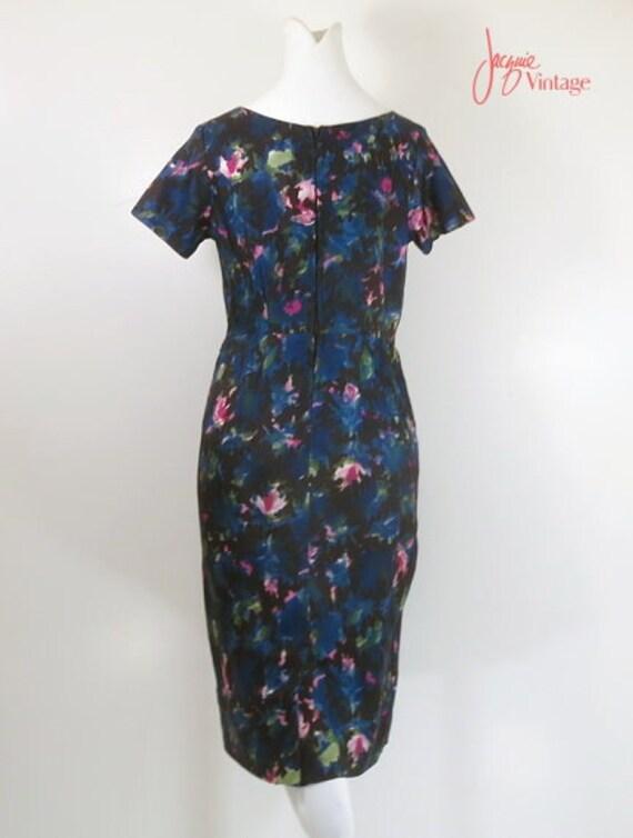 50s 60s wiggle dress / 50s floral cocktail dress … - image 4