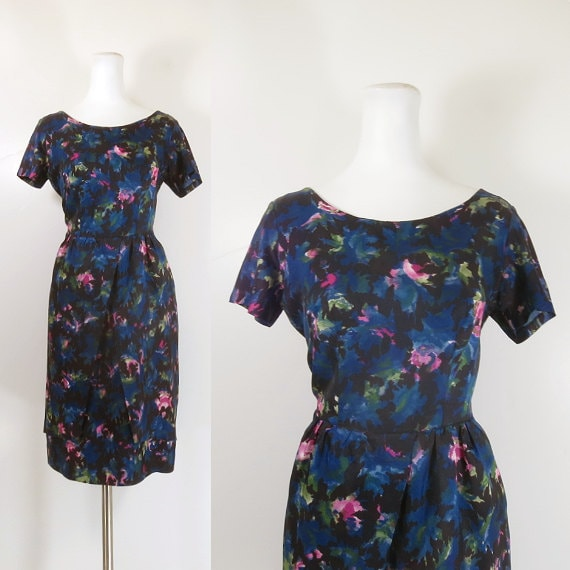50s 60s wiggle dress / 50s floral cocktail dress /
