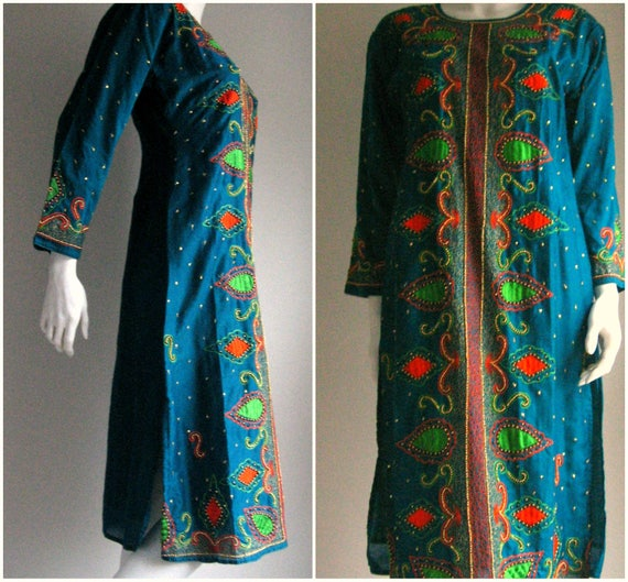 70s vtg  silk embroidered kaftan