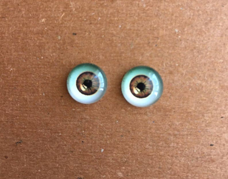 doll Glass eyes flat back 12 mm diameter 6-7 mm iris MEDIUM BROWN