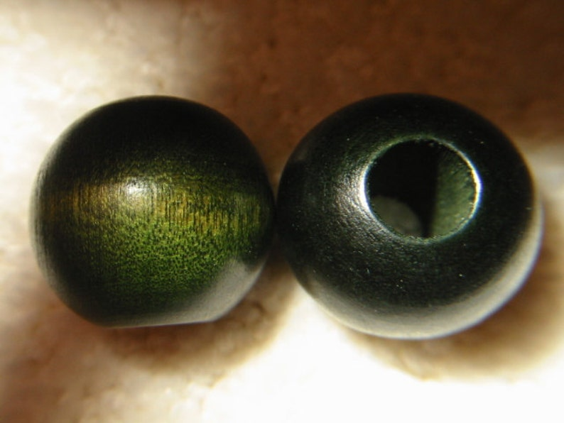 round green wooden  beads from the 1970/'s lot of  thirty-two 1 excellent new condition 25 mm
