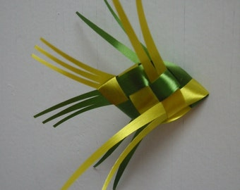 Ribbon Fish Mobile . . . canary yellow & fern green