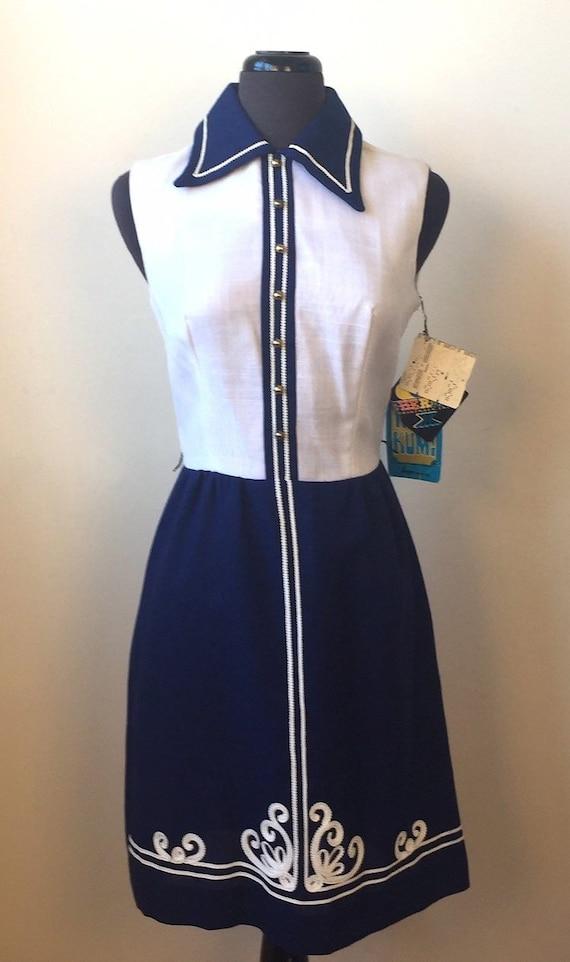 NOS 1960s Sherbet Navy & White Linen-Look Sleevele