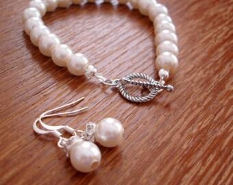 Simple Elegant Bridesmaid Bracelet and Earrings Gift Set - Bridal Set or Bridesmaids Gift