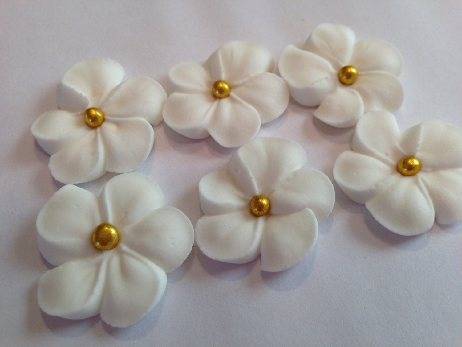 Lot Of 100 White Royal Icing Flowers W Gold Sugar Balls For Etsy