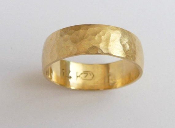 Men S Wedding Band 14k Gold Wedding Ring Hammered Etsy