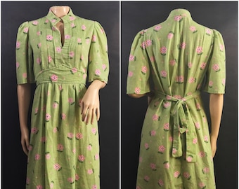 Vintage Handmade Green and Pink Floral Dress // 1960s/1970s Drewss with Belt Tie