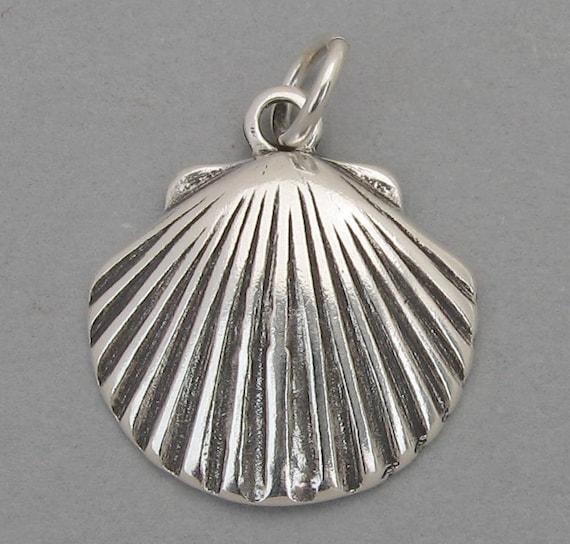 SCALLOP CLAM SEASHELL Nautical Sterling Silver 925 Charm Pendant 2387