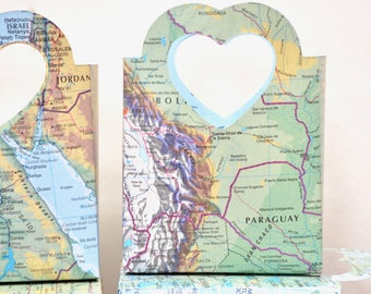 Vintage Map Heart Handled Gift Bags - Perfect for gift cards, wedding favors, wedding confetti, small gifts, and candy.
