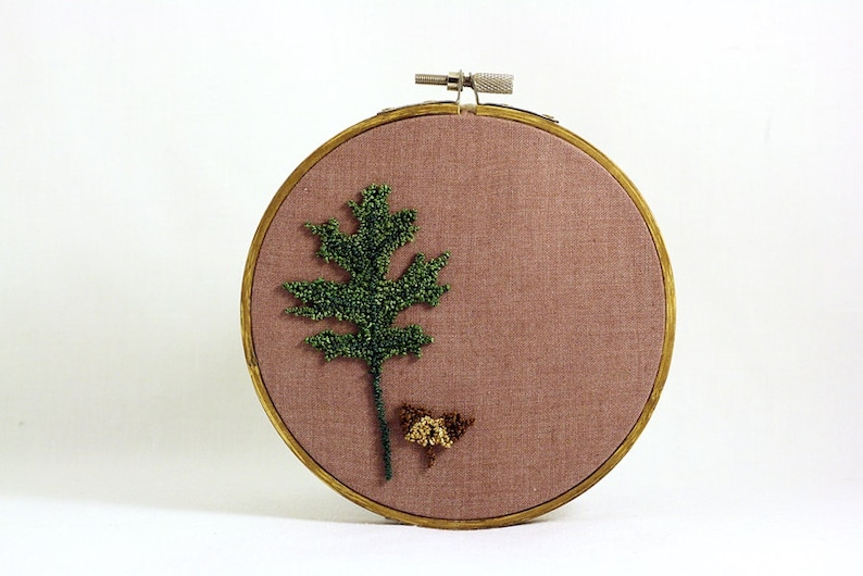 Pin Oak Leaf and Acorn Punchneedle Embroidery Hoop Wall Art. image 0