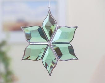 Glass Flower Suncatcher 3D Green Stained Glass Ornament Indoor Outdoor Garden Art Mothers Day Gift Made in Canada