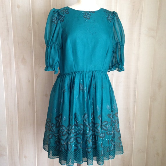 Gorgeous Ladies Green Vintage Handmade Party Dress