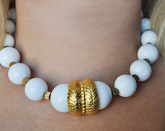 Vintage 80s Chunky White and Gold Necklace