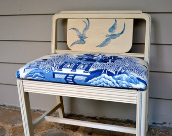 Hand painted Vintage  blue and white chinoiserie blue willow bench with upholstered seat