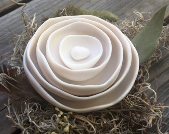 5 Shiny Nest Bowls with Egg