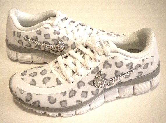 SALE Cheetah Nike Free Run 5.0 V4 Print Shoes White   Wolf  4a8c106af
