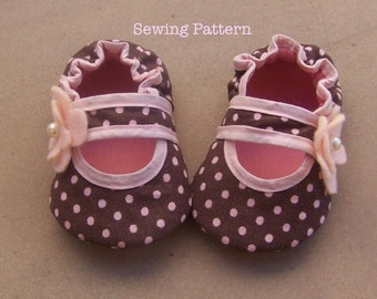 Baby Girl Bella Crib Shoes Sewing Pattern. Baby Girl Sewing Pattern. Newborn Infant Toddler Pattern. Do it yourself/ 5 different sizes