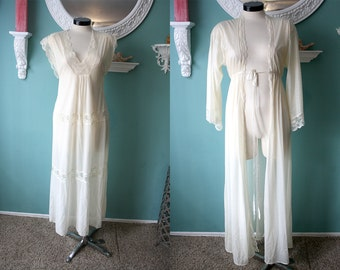 Vintage 60's Lingerie Set // Cream Nightgown // Matching Robe // Pretty // Flowy // Dreamy // Lace // Sheer // Poetic // Romantic