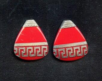 Vintage Lipstick Red Deco Pendant