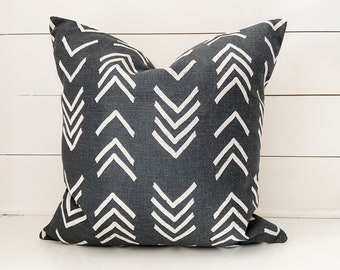 Charcoal Arrow Mudcloth Pillow Cover