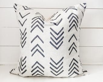 Oatmeal Arrow Mudcloth Pillow Cover