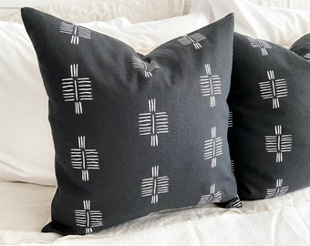 Onyx Pillow Cover