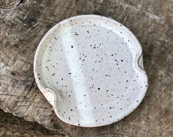Minimalist Pottery Spoon Rest, Gift for Cook, Housewarming Gift, Kitchen, Boho, Handmade by Daisy Friesen